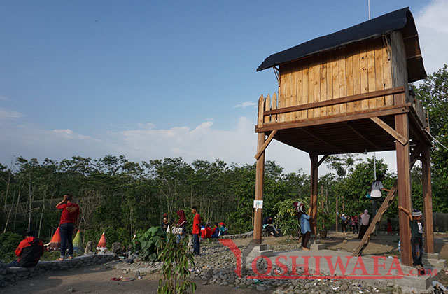 Rumah kayu di kampung indian Kediri
