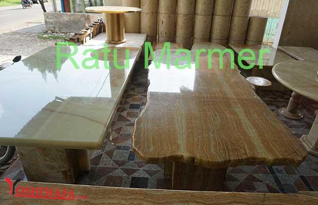 Meja Ratu Marmer Tulungagung